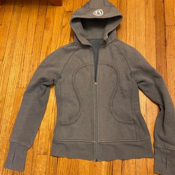 Lululemon hoodie size 8